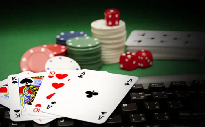 Gain Prizes Together With Poker Along With Bandar Q on the Web