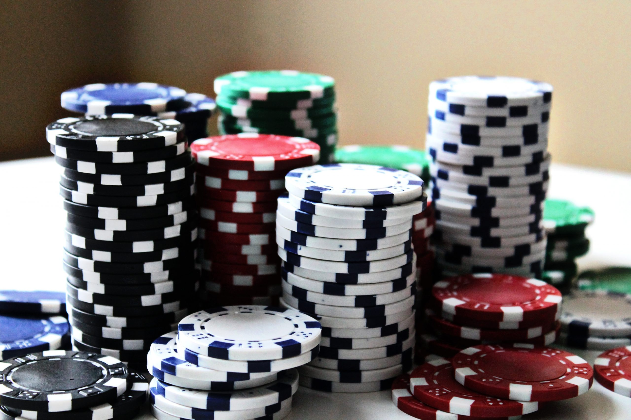 Advantages You Will Get After Playing Slots Online